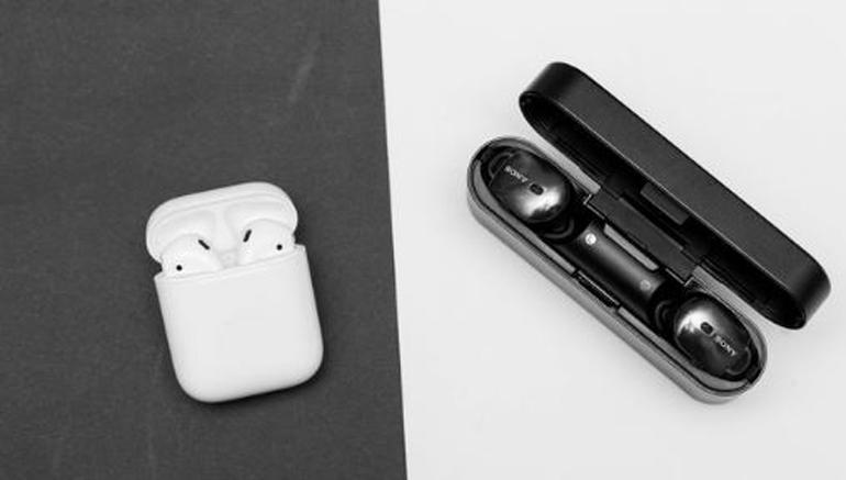 So sánh Sony WF-1000x và Apple AirPods - Tai nghe không dây nào cho người dùng trải nghiệm tốt hơn ?