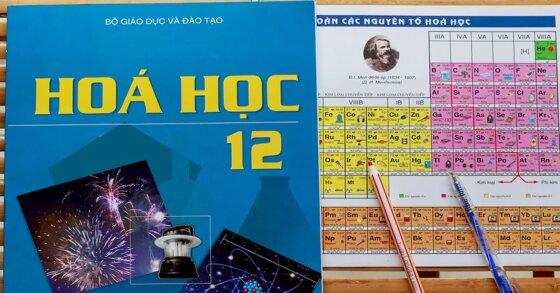 Sách giáo khoa hóa 12 có khó không?