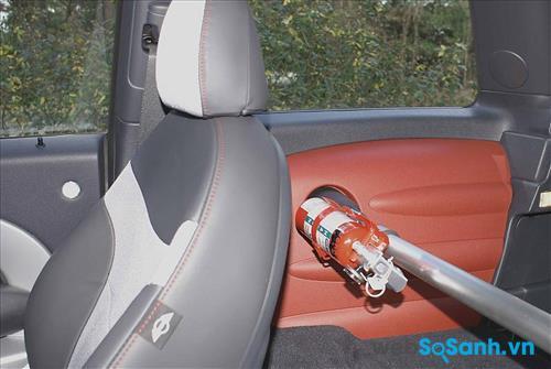 Nên mua bình chữa cháy được thiết kế săn giá đỡ để gắn lên ô tô