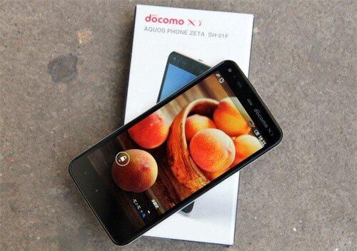 Smartphone chống nước chụp ảnh 16 megapixel của Sharp