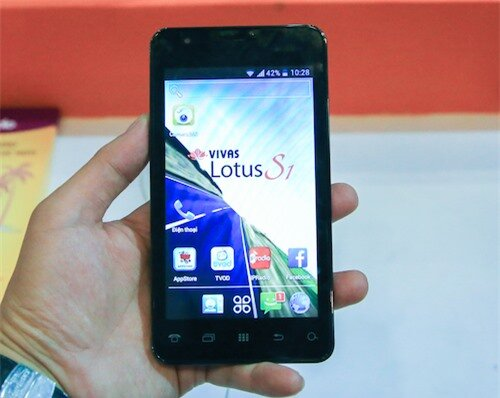 Smartphone đầu tiên do Việt Nam sản xuất giá 3,9 triệu đồng