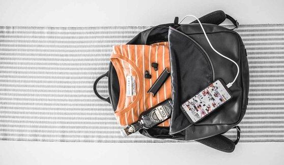 So sánh ba lô High Sierra Curve Daypack và Xiaomi Business Classic