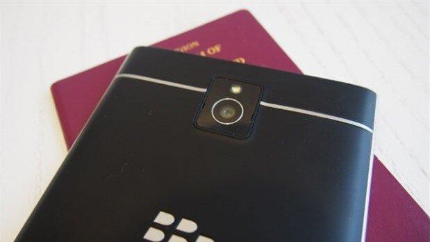 So sánh BlackBerry Passport và LG G3: Thỏa sức giải trí hay phong cách sành điệu?