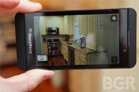 So sánh BlackBerry Z10 và HTC 8X: Sự lựa chọn điện thoại giá rẻ lý tưởng