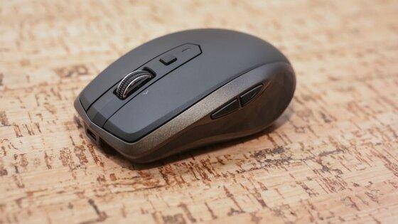 So sánh chuột không dây sạc pin Logitech và Azzor N5: loại nào tốt hơn?