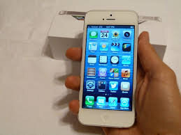 So sánh điểm khác biệt của iPhone 5 khóa mạng và Lenovo A7000