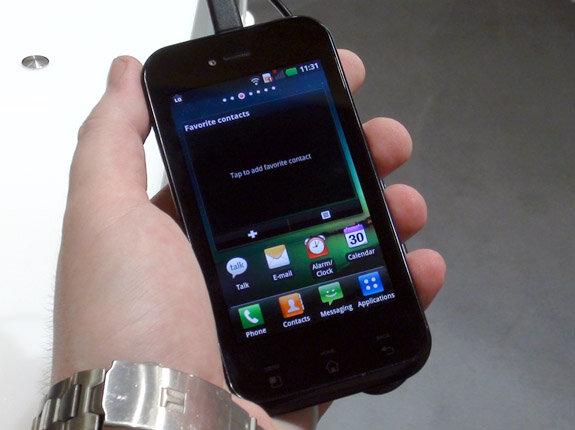 So sánh điện thoại di động Sony Xperia E3 và LG Optimus Sol E730 trong tầm giá rẻ