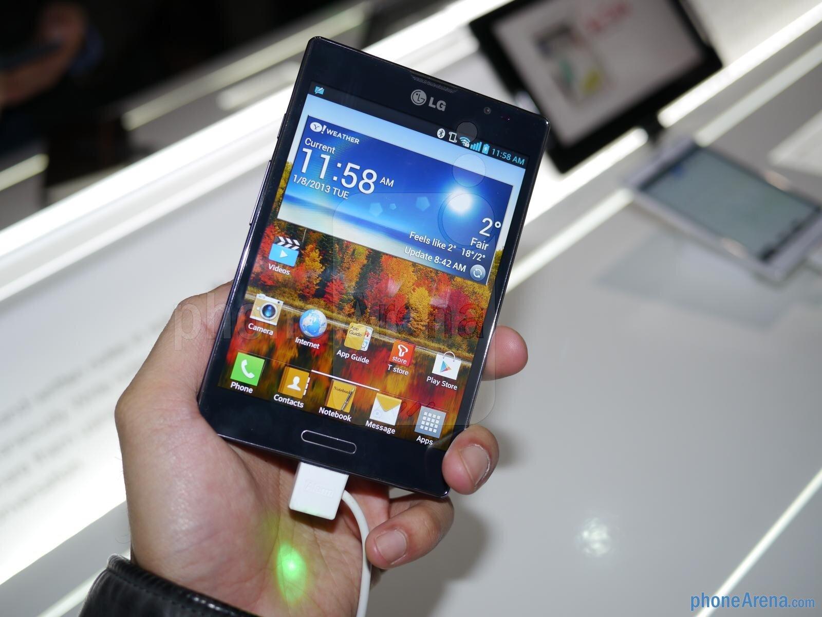 So sánh điện thoai di động Sony Xperia C C2305 và LG Optimus Vu II F100S
