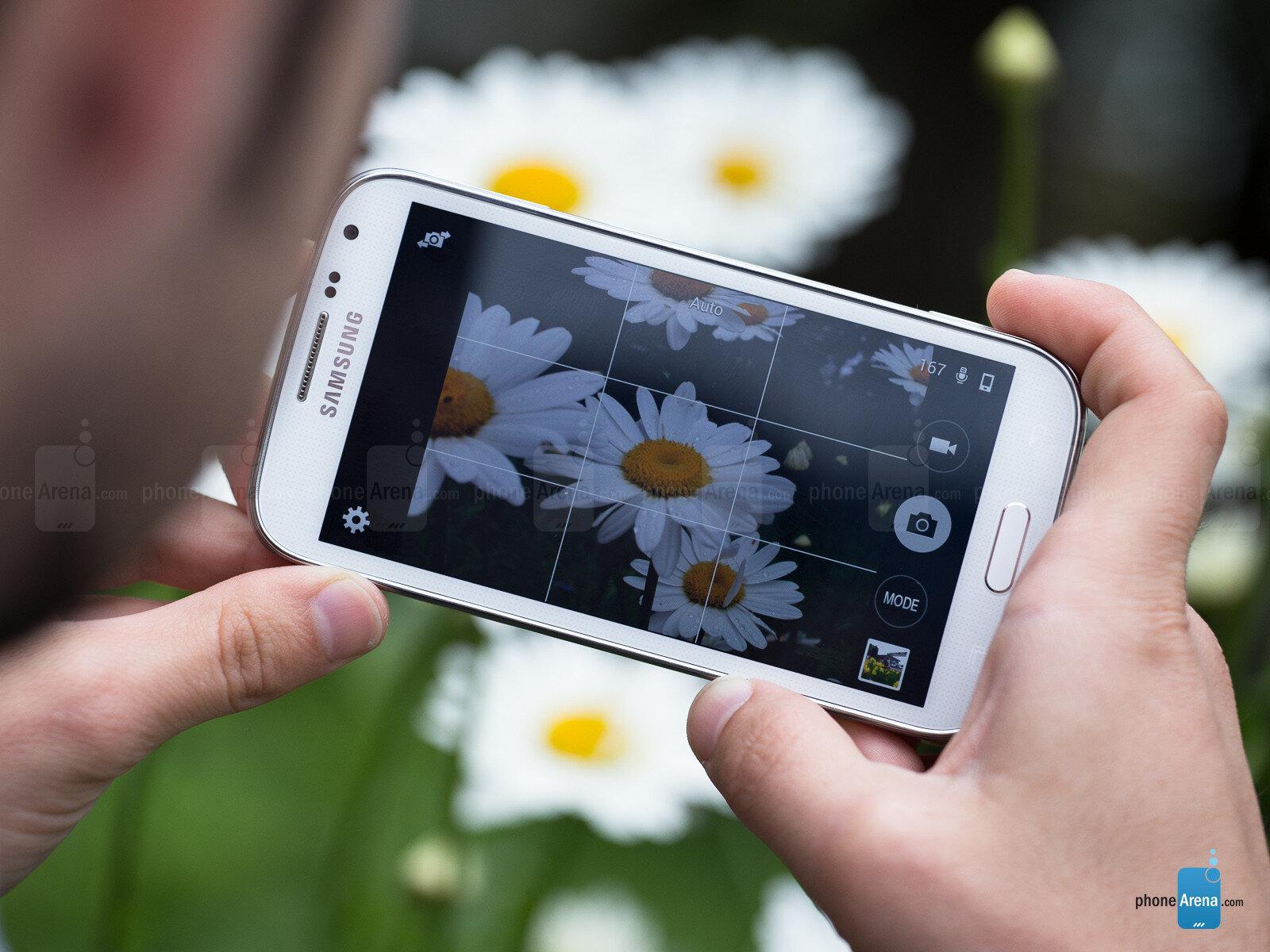 So sánh điện thoại di động Sony Xperia C C2305 và Samsung Galaxy K zoom