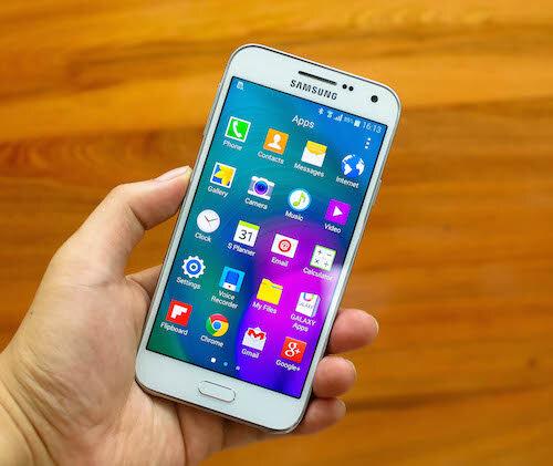 So sánh điện thoại điện thoại HTC Desire 816 và Samsung Galaxy E5