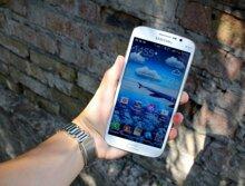 So sánh điện thoại HTC One Max và Samsung Galaxy Mega 5.8