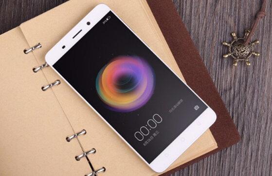 So sánh điện thoại Oppo Neo 7 và Q Luna