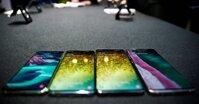 So sánh điện thoại Samsung Galaxy S10 Plus với Huawei Mate 20 Pro