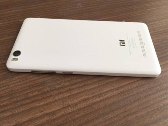 So sánh điện thoại Sony Xperia M4 Aqua và Xiaomi Mi 4i