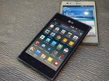 So sánh điện thoại Sony Xperia Z Ultra C6833 và điện thoại LG Optimus Vu