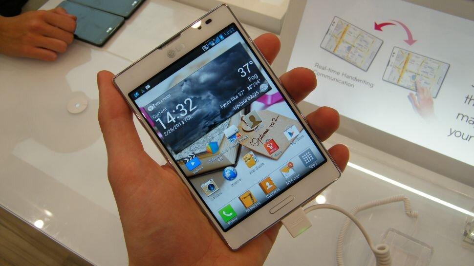 So sánh điện thoại Sony Xperia E3 và điện thoại LG Optimus Vu 3