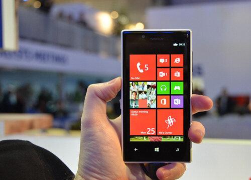 So sánh điện thoại Sony Xperia T3 và điện thoại Lumia 720