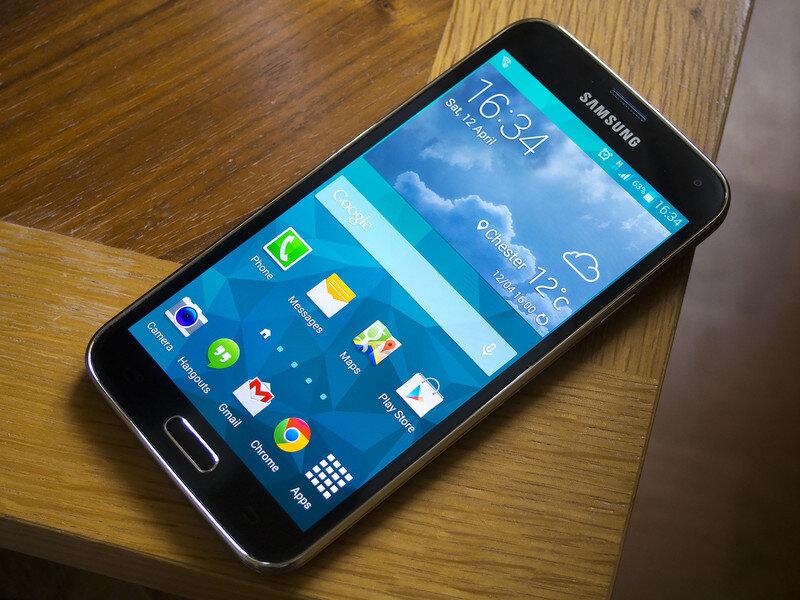 So sánh điện thoại Sony Xperia C4 Dual và Samsung Galaxy S5