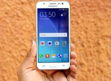 So sánh điện thoại Sony Xperia T2 Ultra và Samsung Galaxy J5