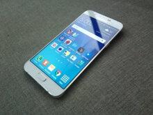 So sánh điện thoại Sony Xperia T2 Ultra Dual và Samsung Galaxy A8