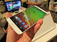 So sánh điện thoại  Sony Xperia Z Ultra và Điện thoại LG G2 Docomo: cuộc đối đầu cân sức