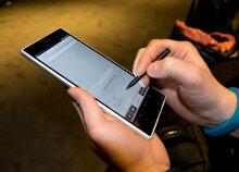 So sánh điện thoại tầm trung Sony Xperia Z Ultra C6833 và Samsung Galaxy Mega 5.8