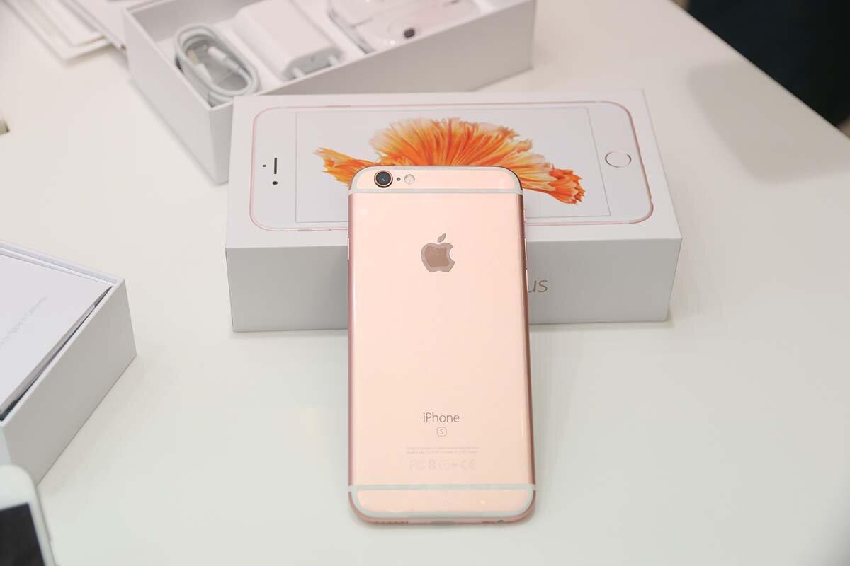 So sánh giá bán điện thoại iPhone 6s và 6s Plus chính hãng tại Việt Nam