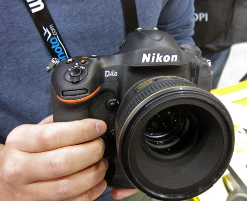 So sánh giá của Nikon D4s với những máy ảnh DSLR tiền nhiệm