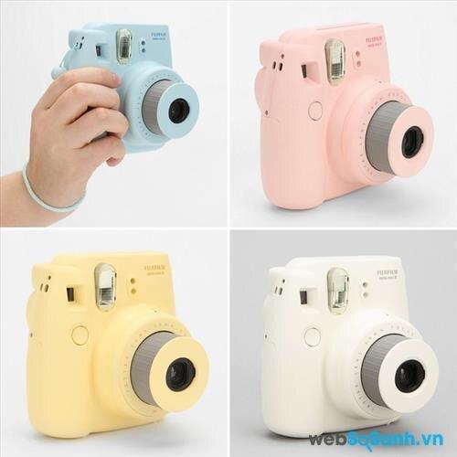 So sánh giá máy ảnh chụp lấy ngay (tháng 11/2015)