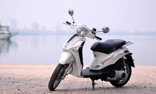 So sánh Honda SH Mode và Piaggio Liberty