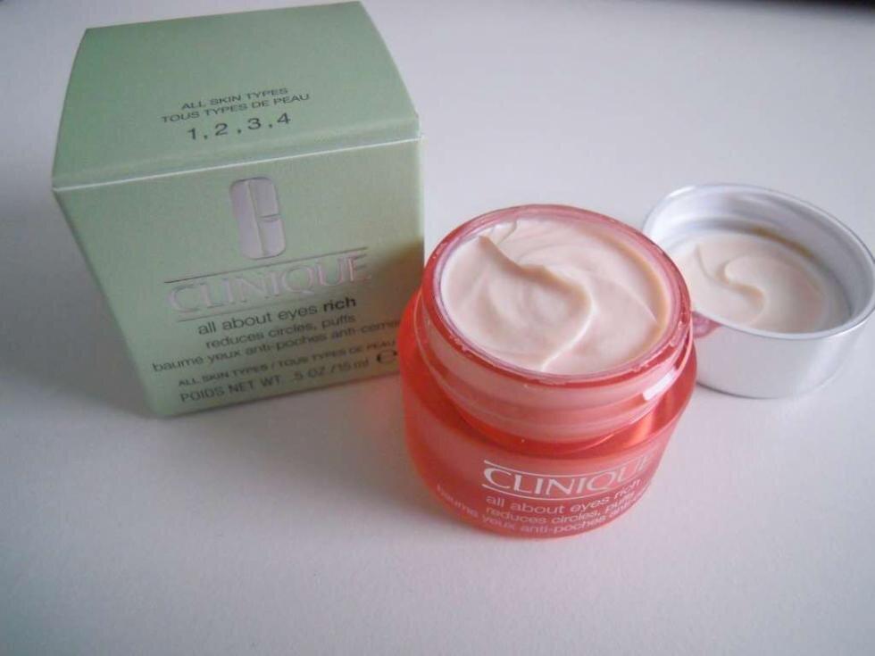 So sánh kem mắt The Body Shop Vitamin E Eye Cream và Clinique All About Eyes Rich
