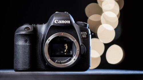 So sánh máy ảnh Canon EOS 6D và Nikon D750