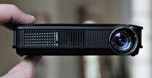 So sánh máy chiếu mini bỏ túi kích thước siêu nhỏ DLP Dell M110 và Optoma PK301