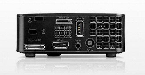 So sánh máy chiếu mini dành cho di động ViewSonic PLED-W200 và BenQ Joybee GP2