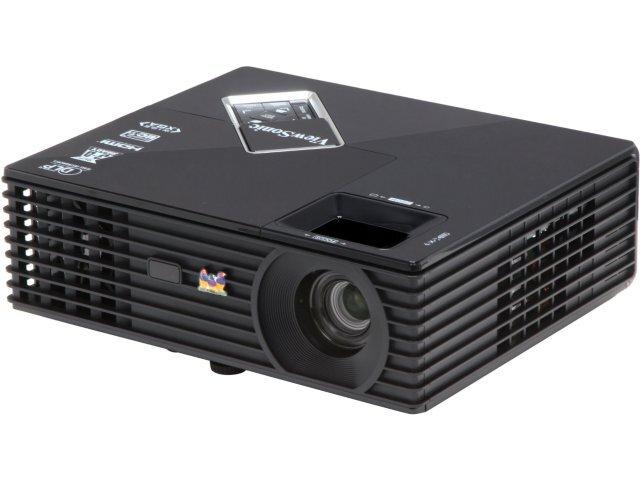 So sánh máy chiếu ngoài trời BenQ W7010 và ViewSonic PJD5533w