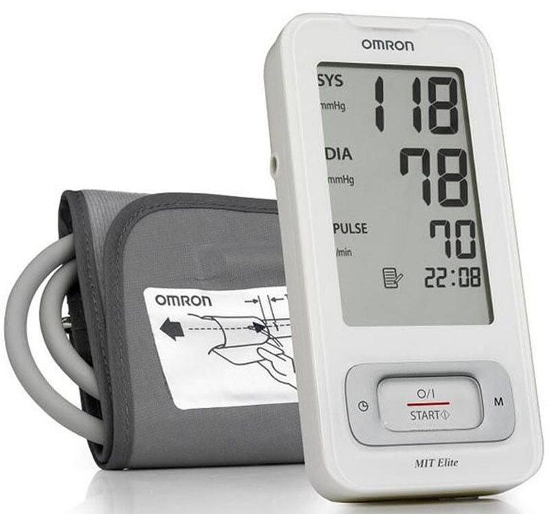 So sánh máy đo huyết áp Omron HEM 7300 và Beurer BC20