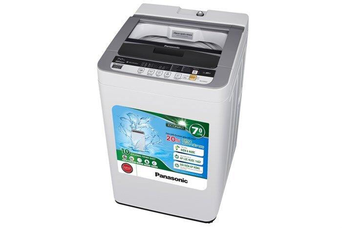 So sánh máy giặt lồng đứng giá dưới 4 triệu đồng Panasonic NA-F70VG7HCV và LG WFS8019