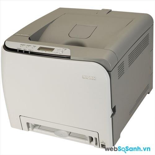 So sánh máy in laser màu giá rẻ dành cho văn phòng nhỏ Fuji Xerox CP105b và Ricoh Aficio SP C240dn