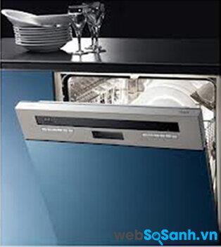 So sánh máy rửa bát Baumatic BDS670SS và Baumatic BDF683SS