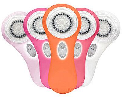 So sánh máy rửa mặt Clarisonic Mia 2 và Clinic Sonic System Purifying Cleansing Brush