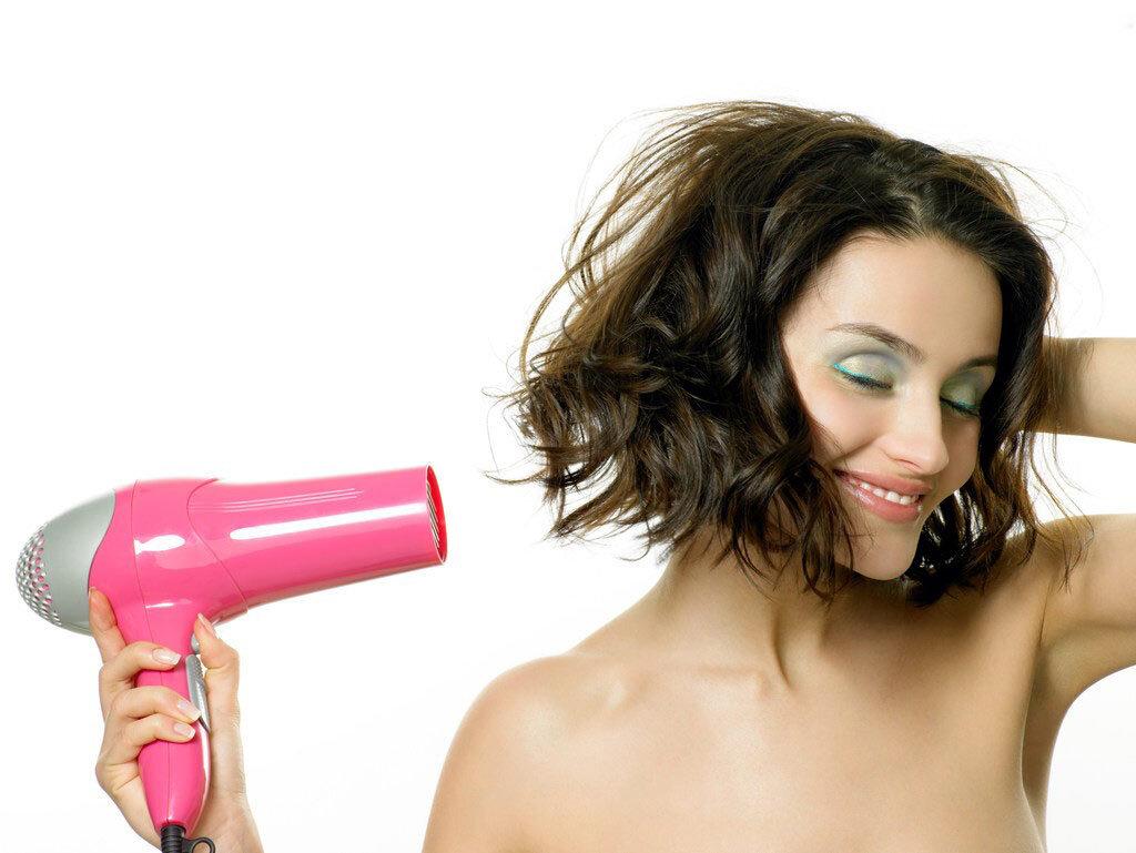 So sánh Máy sấy tóc Bluestone HDB-1821B vs Máy sấy tóc Philips HP8102 – Máy sấy tóc giá rẻ nào được yêu thích hơn?