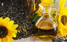 So sánh nên chọn dầu đậu nành hay dầu hướng dương tốt cho sức khỏe