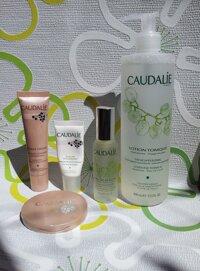 So sánh nước hoa hồng White Tree Snow Clarifying Booster Toner và Caudalie Lotion Tonique