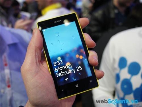 So sánh smartphone giá rẻ Nokia Lumia 520 và HTC 8X