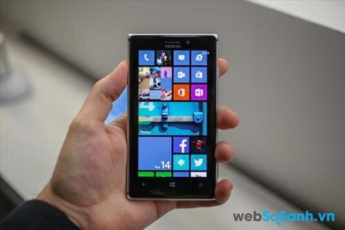 So sánh smartphone HTC One M7 và Nokia Lumia 925