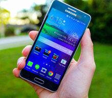 So sánh smartphone Lumia 1020 và Samsung Galaxy A5: Chọn camera khủng hay màn hình lớn