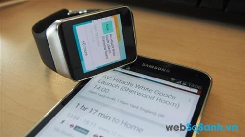 So sánh smartwatch Samsung Gear Live và Sony Smartwatch 3: hiều nét tương đồng