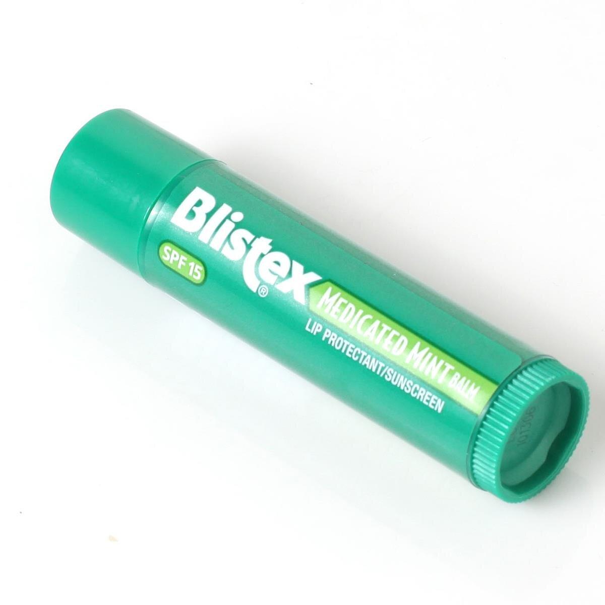 So sánh son dưỡng môi Blistex Medicated Mint Lip Balm và son trứng EOS Smooth Sphere Lip Balm