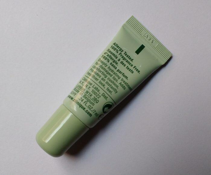 So sánh son dưỡng môi Carmex Moisturising lip balm (dạng hũ) và Clinique Superbalm Lip Treatment