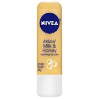 So sánh son dưỡng môi Clinique Superbalm Lip Treatment và Nivea A Kiss of Milk & Honey Lip Care